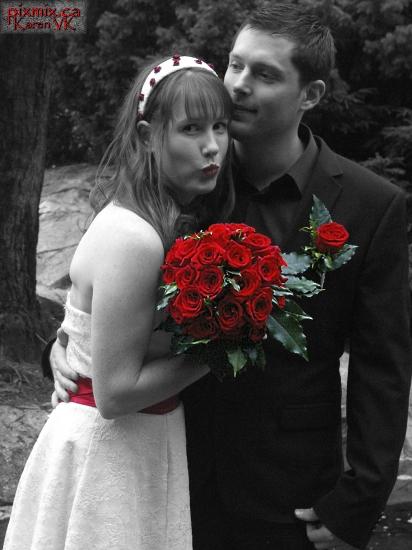 Cara & Nathan at Sendall Gardens